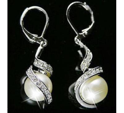 Women Fashion Pearl Dangle Crystal Earrings